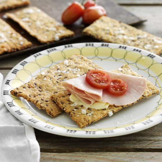 Osteknækbrød -http://www.dansukker.dk/dk/opskrifter/osteknaekbroed.aspx #dansukker #opskrift #sundt #sundhed #lækkert #mad #food #eat #spis #snack #inspiration #knækbrød #brød