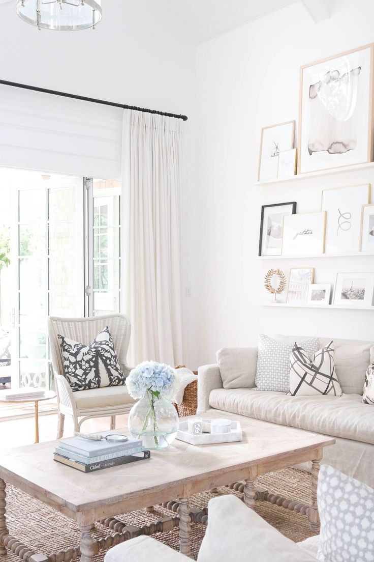 Love the neutrals and the gallery wall <3