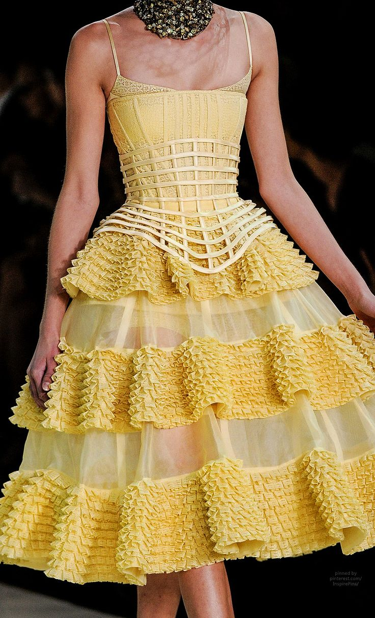 looks like Belle's gown