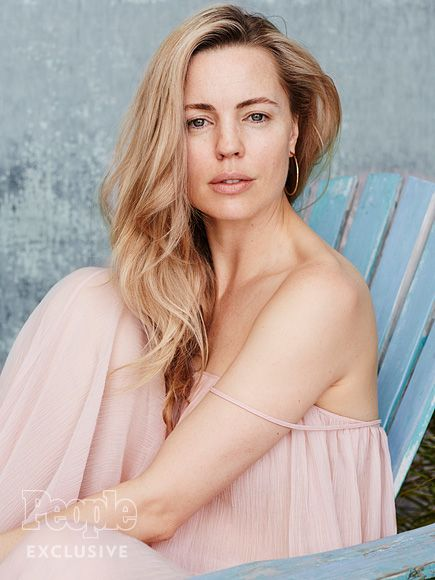 """7 Makeup-Free Stars Who Inspire Natural Beauty 