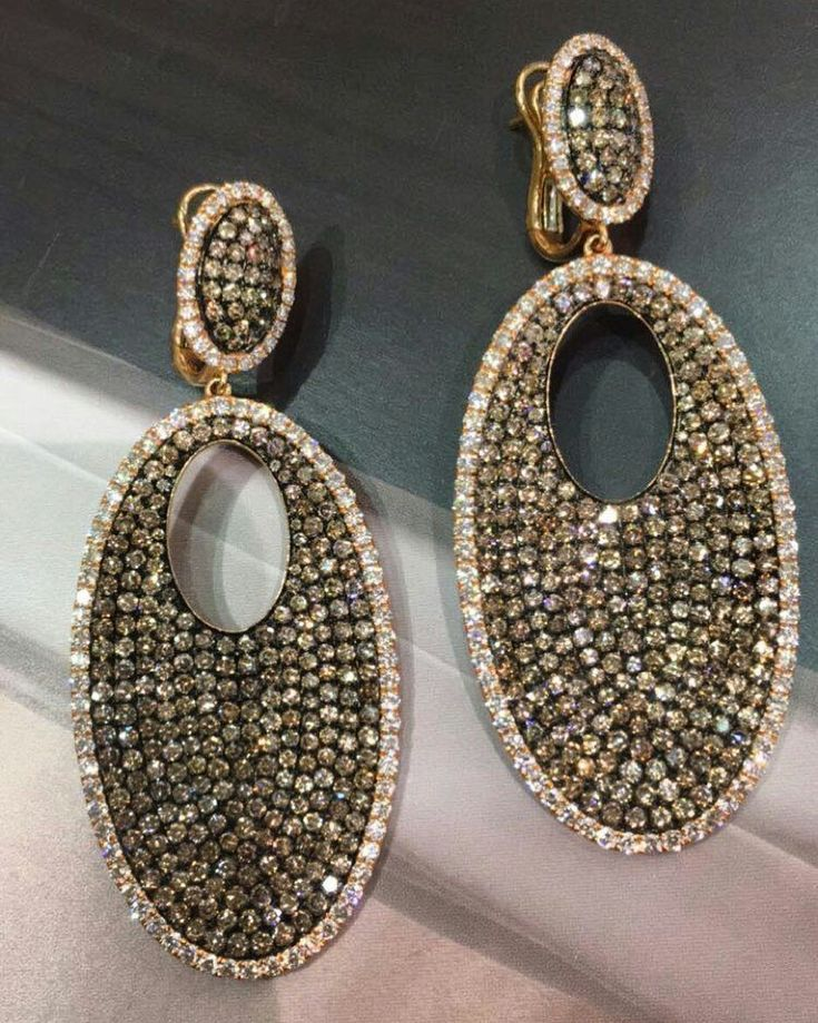 Shimmer, sparkle and shine with these super fine rose gold, white/brown diamond drop earrings made for Asia Jewellers that are the definition of festive  #asiajewellers