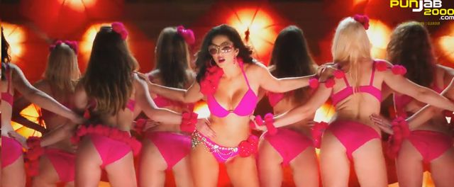 "Sunny Leone in the song Desi Look from Ek Paheli Leela. After the success of ""Babydoll"", from ""Ragini MMS2"" & ""Lovely"" from ""Happy New Year"" Sunny Leone (The Queen Of Seduction), Dr. Zeus & Kanika Kapoor are back with the follow up ""Desi Look"" from the film ""Ek Paheli Leela""."