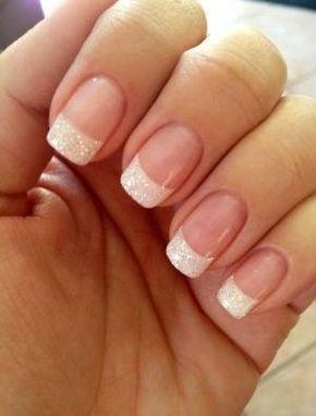 Design de manicure francês branco brilhante clássico unhas de casamento   – Nails