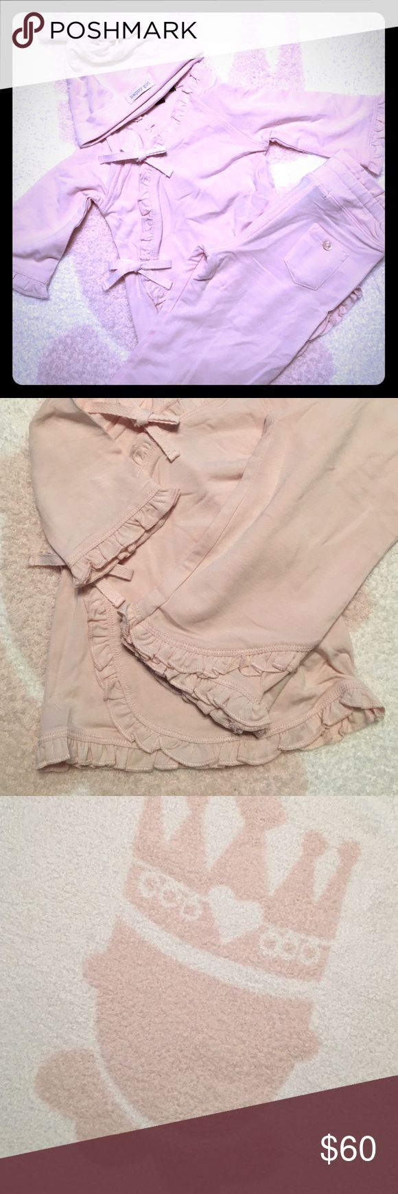 NWT Barefoot Dreams Baby 3-Pc Outfit & Blanket Please feel free to ask questions... Barefoot Dreams Matching Sets