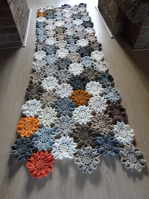 Japanese flowers- The link will take you to the patter to make the Japanese Flowers that made this unfinished blanket sample. This is the original site of the blanket. You can scroll through the posts to locate it and others like it.