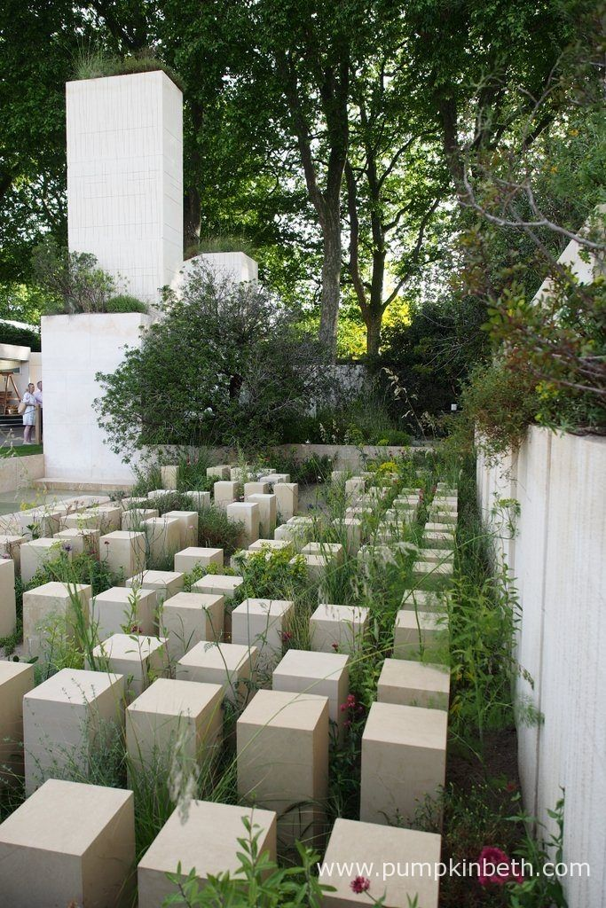 he M&G Garden was designed by James Basson, this Show Garden was built by Crocus. As well as receiving a Gold Medal and Best In Show, the M&G Garden was awarded the Best Construction Award, at the RHS Chelsea Flower Show 2017.