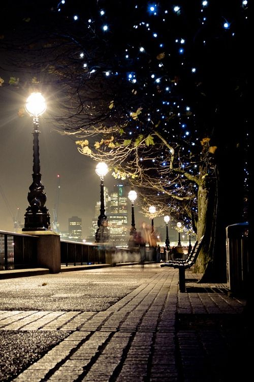Night Lights, Queens Walk, London - I'm wondering what it could be like to be there ?