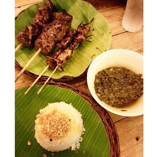 Don't underestimate this humble place! If you want an affordable and tasty meal, head to any JT's #Manukan branch. Definitely order Porbidang #Kangkong and Sate Babi #philippines #manila #wheninmanila #spotmyfood #filipino #filipinofood #food #jtsmanukan #jt #jts