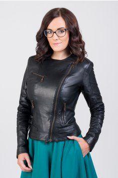 Dámská kožená bunda ušitá z nejjemnější jehnětiny bunda je vypasovaná v pase střih opticky zeštíhluje a podtrhuje siluetu postavu dvouřadý zip možné objednat v konfekční velikosti nebo na míru