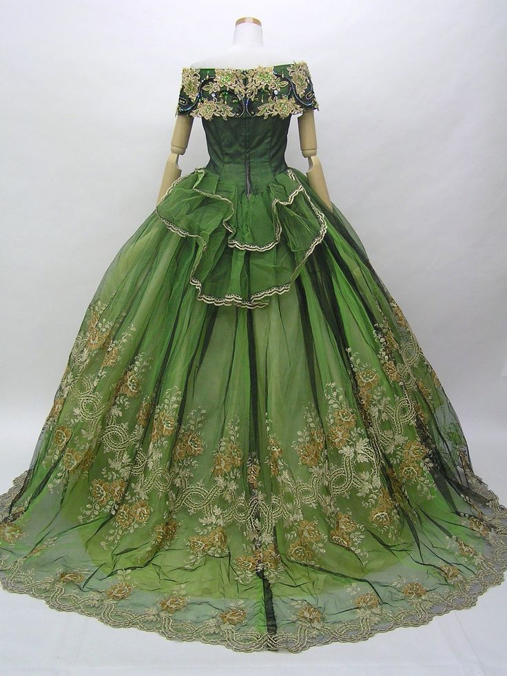 Historical dress. Approximately mid to late 19th century. LOVELY
