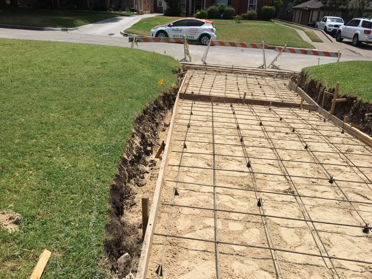 17 best images about concrete slabs and driveways on for Pouring concrete driveway