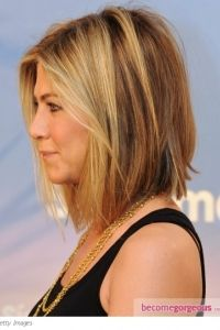 LOVE this cut. Just a few more inches and my hair will be just the right length.