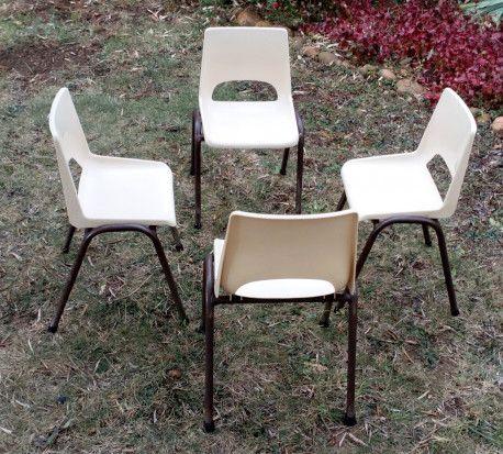 chaise d 39 cole maternelle ann es 70 vintage ann es 70 vintage maternelle et chaises. Black Bedroom Furniture Sets. Home Design Ideas
