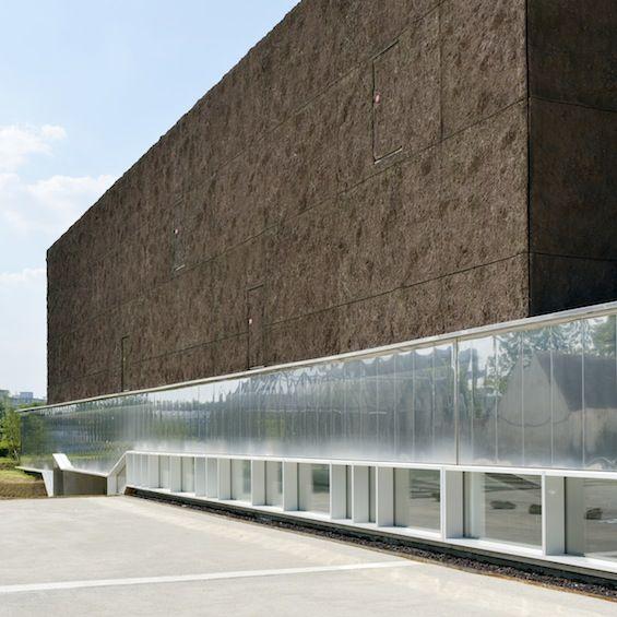 L'agence Beckmann-N'Thépé nous présente sa dernière réalisation, la bibliothèque universitaire de Marne-la Vallée.
