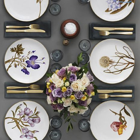 A beautiful table setting with Flora