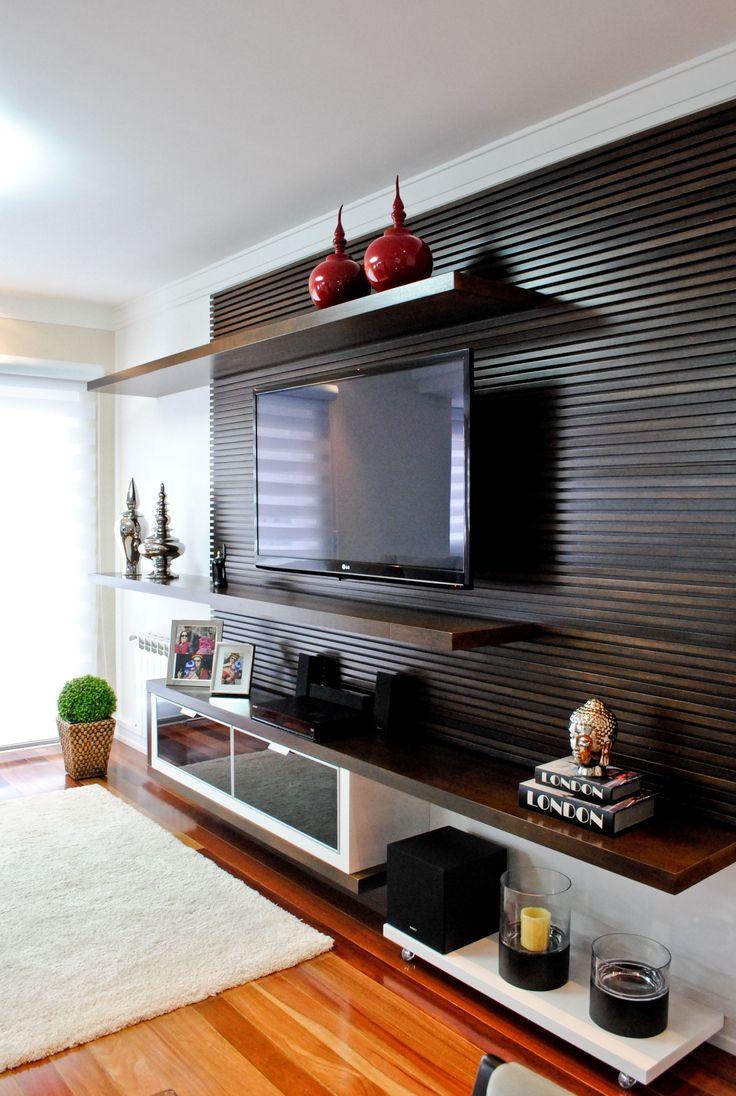 T V Unit Side Veiw Modern Living Room By Ssdecor Modern: Home Theaters: 40 Projetos De CasaPRO Para Você Ter Um