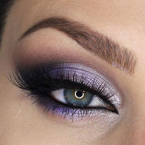 Purple is a Halloween color right? This look by @rfadai obviously works for any time of year, but we especially love it for those looking to get festive this Halloween without going full blown witch/skeleton/zombie. She used Makeup Geek Eyeshadows in:  Vanilla Bean (brow bone)  Unexpected (crease)  Whimsical (inner third)  Day Dreamer (center of lid)  Caitlin Rose (outer third)  Drama Queen (outer v)  Corrupt (outer v)