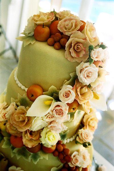Wedding cakes no marzipan animals