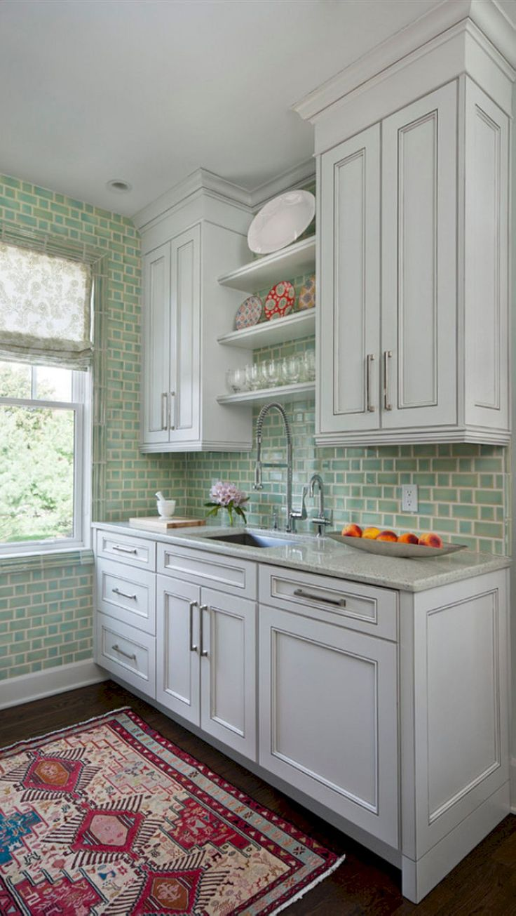 Awesome 67 Extraordinary Small Kitchen Design Ideas https://cooarchitecture.com/2017/07/10/67-extraordinary-small-kitchen-design-ideas/