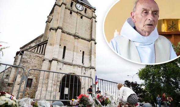 """Após o assassinato do padre Jacques Hamel, na terça-feira passada na igreja de Saint-Etienne-du-Rouvray (França), o comando jihadista entabulou uma conversa surrealista com as duas religiosas mantidas reféns no interior da igreja, segundo informações da revista católica La Vie. No momento em que o padre de 85 já estava morto e um fiel se encontrava...  """"Os perversos dificilmente se corrigem, e o número dos insensatos é infinito"""" (Eclesiastes 1, 15)."""