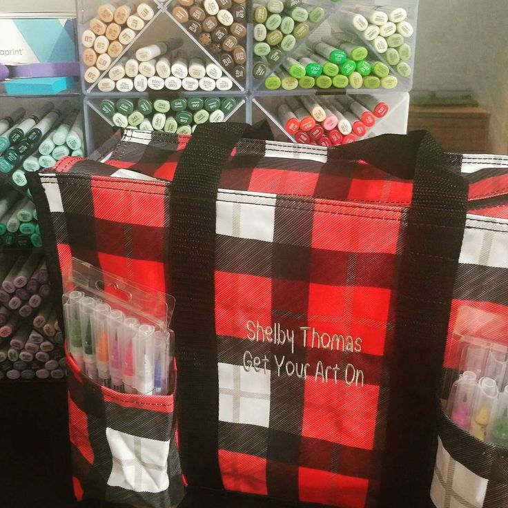 Favorite bag for going to craft class.  Thirty-One ZOUT