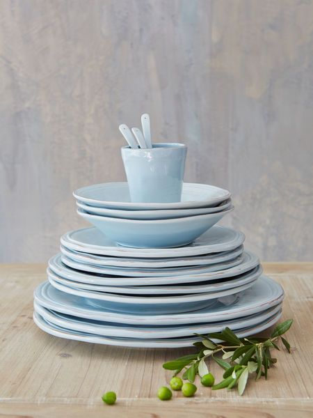 These stunning pieces will more than earn their place on your kitchen shelves, giving you pleasure at every mealtime, day and after day.