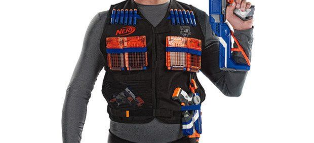 Suit up! The Nerf Tactical Vest covers all of your needs for your custom Nerf load out. Raise Your Weapon