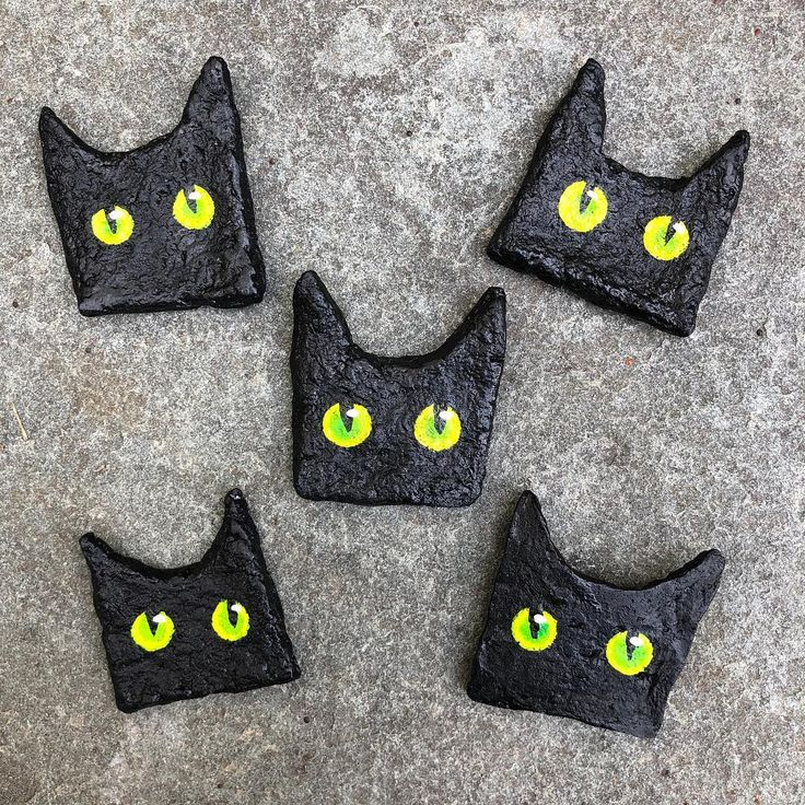 Bat cat pins! witchesflynorth paperclay papermache cat