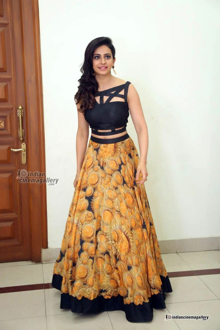 Rakul-Preet-Singh-stills-from-Speedunnodu-Audio-Launch-(16)