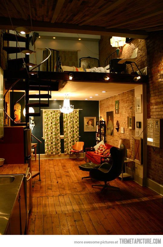 I want walls and flooring like that like you can't believe. It reminds me of my favorite record store (Finders Records, downtown BG) <3