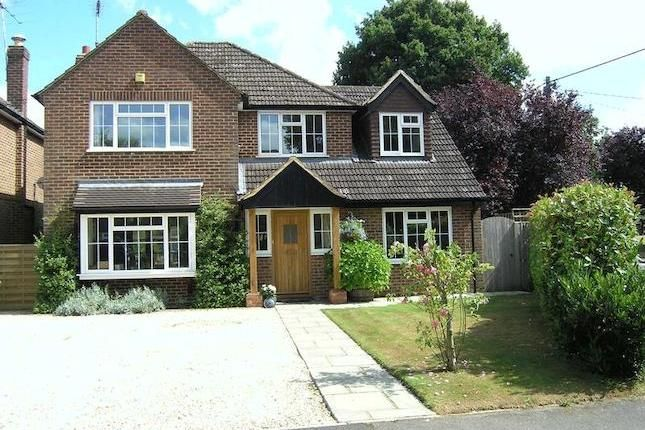 Detached house for sale - 4 bedrooms in The Fairway, Flackwell Heath, High Wycombe HP10 - 29939475