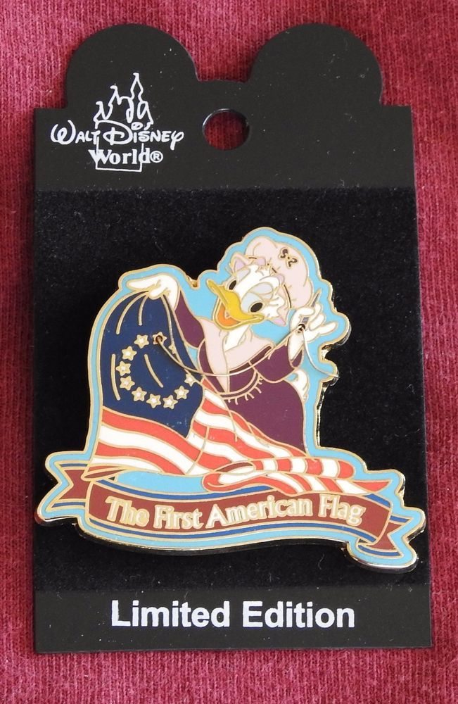 Disney World DAISY DUCK FIRST AMERICAN FLAG LE 1500 Pin - Retired Pins