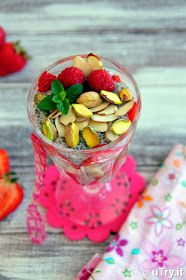 Check out how to make this refreshing and healthy Chia Seeds Pudding Parfait   http://uTry.it