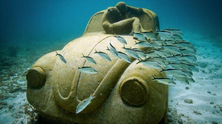 Esculturas en el fondo del mar: http://mascarondeproa.wixsite.com/mascaron/single-post/2015/12/16/Los-arrecifes-de-coral-una-maravilla-en-peligro