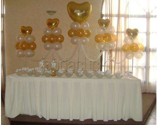 Decoracion con globos blancos y dorados buscar con for Decoracion con globos 50 anos