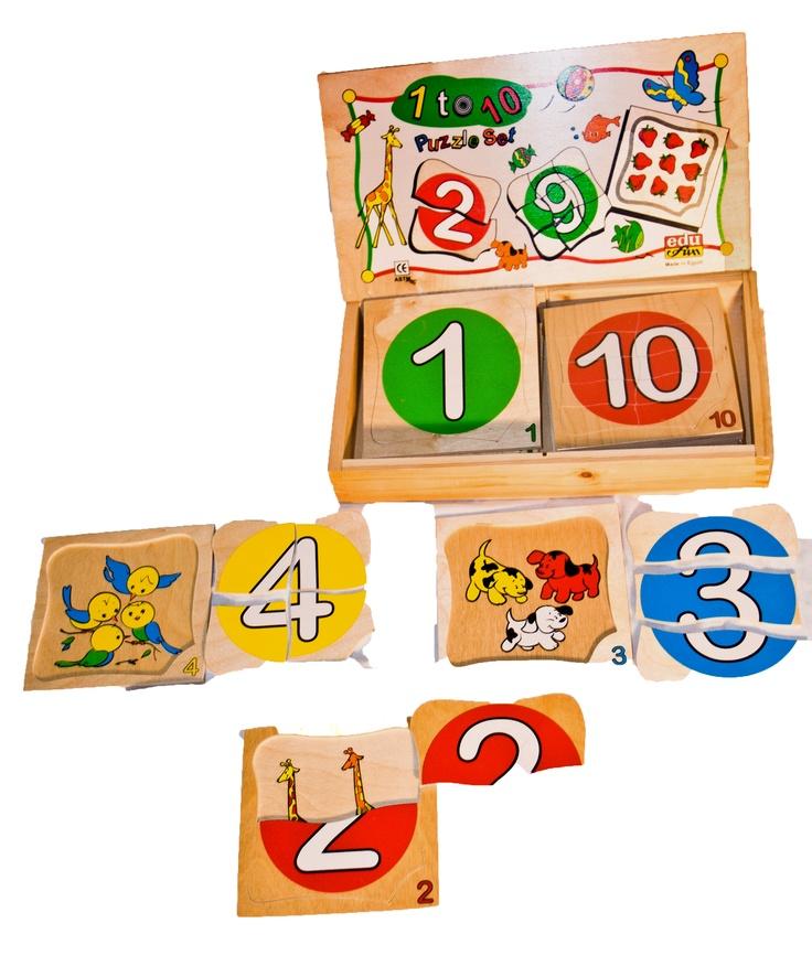 Da uno a Dieci (1 to 10) | Contenuto: 10 puzzle | Prezzo: 30,99 | Ogni puzzle è composto di tessere che vanno riposte nella tabella in legno. Il gioco prevede tre livelli di apprendimento: il primo puramente ludico di incastro univoco; il secondo prevede l'associazione per corrispondenza tra numero grafico e quantità; il terzo livello di apprendimento sfrutta la proprietà del numero di tessere corrispondente al numero scritto per introdurre il concetto di pari/dispari.
