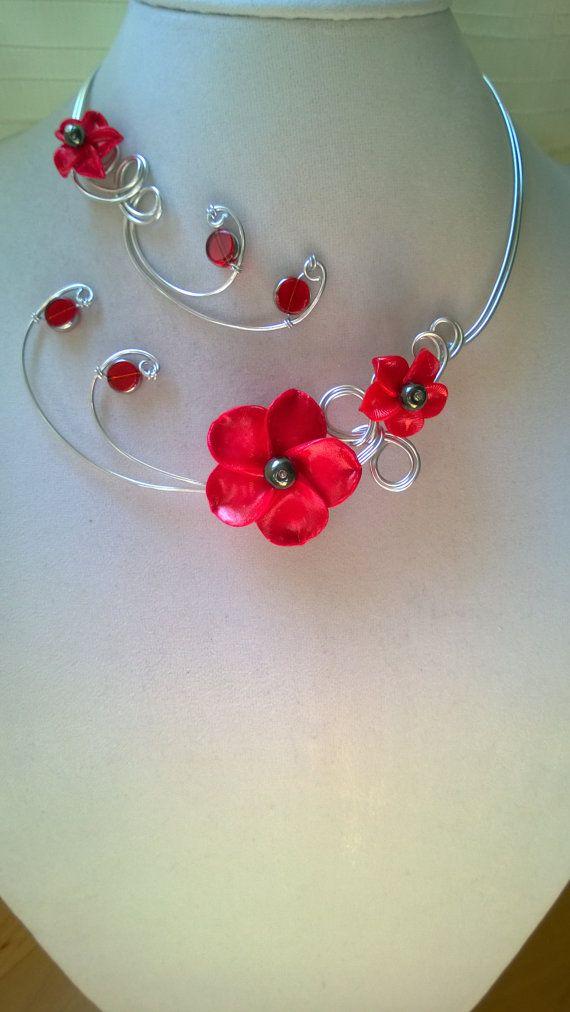 Flowers necklace Open necklace Metal wire by LesBijouxLibellule