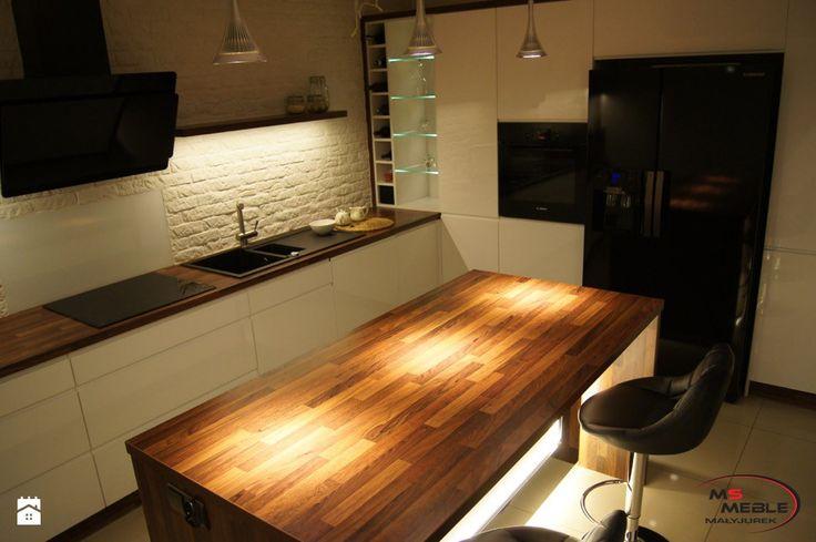 Podświetlona kuchnia w drewnie - zdjęcie od MS-Meble Małyjurek - Kuchnia - Styl Nowoczesny - MS-Meble Małyjurek