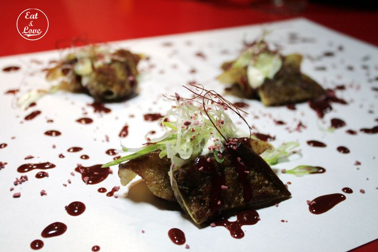 Dumplings con oreja de cerdo y salsa hoisin de fresas - Streetxo, restaurante, street food, Madrid