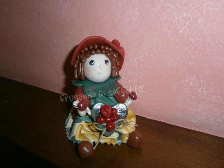bambolina realizzata interamente in pasta gabrylea
