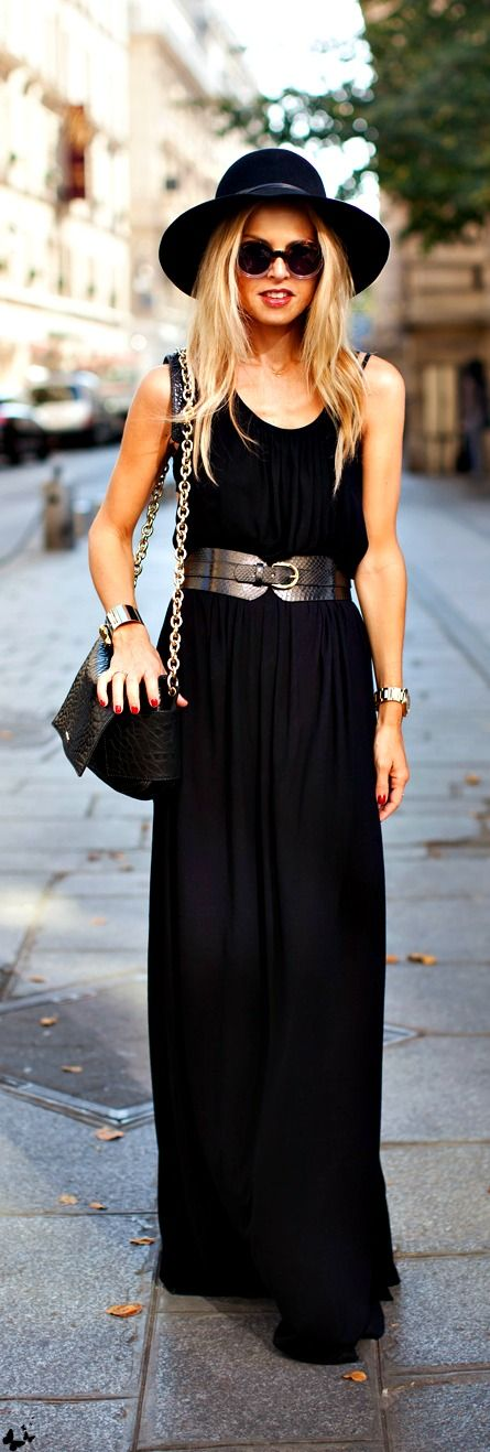 LOVE black maxi dresses. See my fave on Southern Elle Style! http://southernellestyle.com/blogfeed/the-cutest-boutique-hotel-in-san-diego