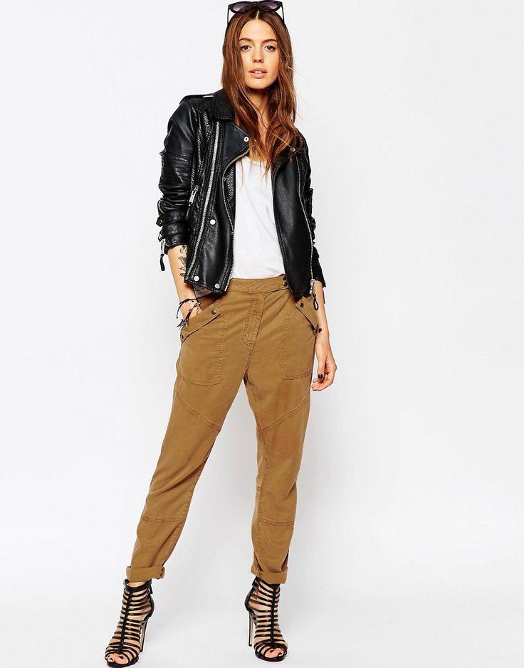 Immagine 1 di ASOS - Pantaloni comodi con pinces in morbido tencel