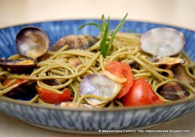 La Piccola Casa: Spaghetti di grano saraceno al te verde con pomodorini, vongole e dragoncello