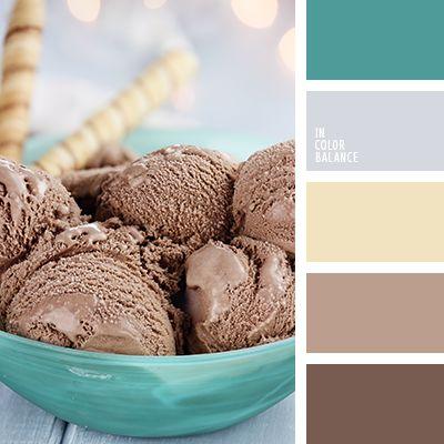 Los tonos turquesas profundos armonizan muy bien con el marrón chocolate.  El beige apagado aporta equilibrio y sofisticación a dicha gama de color.  Estos colores son idóneos para decorar salones y diseñar accesorios.