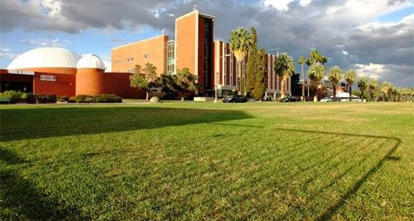 10 Relaxing Spots on the University of Arizona Campus