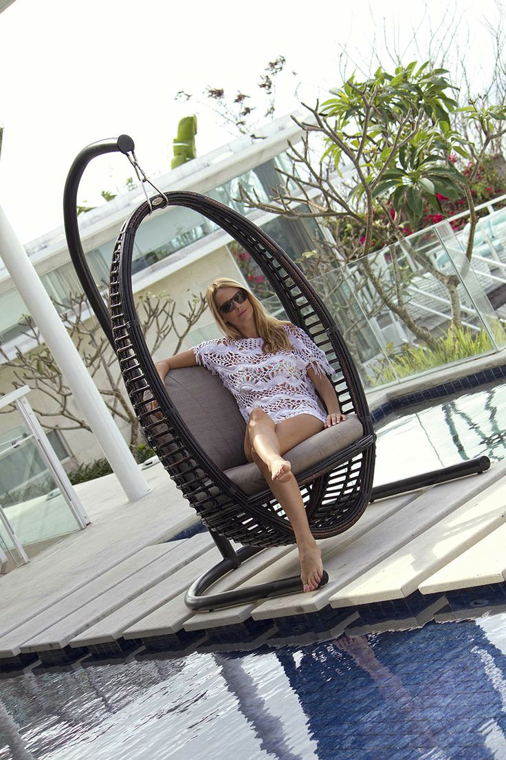 Elegant #Outdoor #Swing from Fiore Rosso Skyline Collection   http://www.fiore-rosso.com/  #SofaSet #OutdoorLiving #Dubai #OutdoorFurniture #Furniture