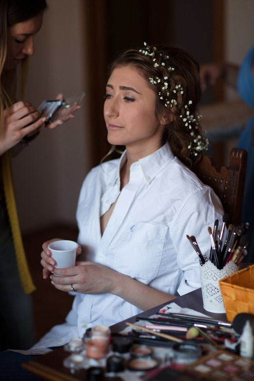 Getting ready, champagne and a plastic cup :-)  #gettingready #wedding #hochzeit #weddingphotography #hochzeitsfotos #hochzeitsbilder #bride #braut #beautiful #schön #makeup #makeover #itsalrightma