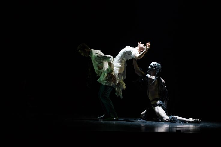 Queensland Ballet's Raw, Christopher Bruce's Ghost Dances, Photographer David Kelly