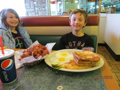 This Is The Typical Breakfast At Tony S Birch Run Michigan Yes That Complete And A Po Reasons I Stay