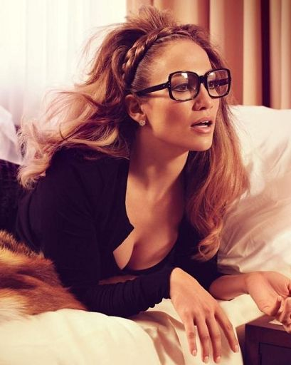 Jennifer Lopez braided hair band; she can seriously pull anything off!!!!